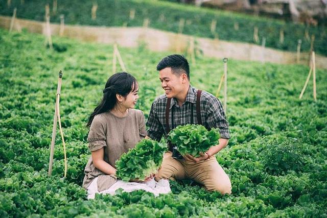 """Minh Cường và Hồng Lĩnh cùng sinh năm 1994, cặp đôi này đến từ Khánh Hòa và là """"thanh mai trúc mã"""" của nhau."""