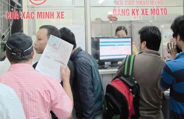 Ngay sau khi áp dụng mức thuế trước bạ mới, Bộ Tài chính tiến hành thí điểm cách thức nộp thuế mới.