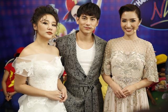 Bộ 3 giám khảo mùa 2 năm nay Văn Mai Hương - Isaac - Bích Phương cũng tạo được nhiều ấn tượng và sự yêu mến từ khán giả bởi sự thông minh và dí dỏm.