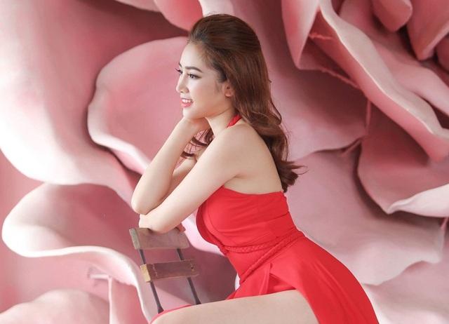 Nhan sắc nóng bỏng bạn gái cũ nam diễn viên Người phán xử - 6