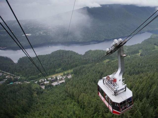 Dịch vụ cáp treo trên núi Grouse. (Ảnh: Vancouver Sun)