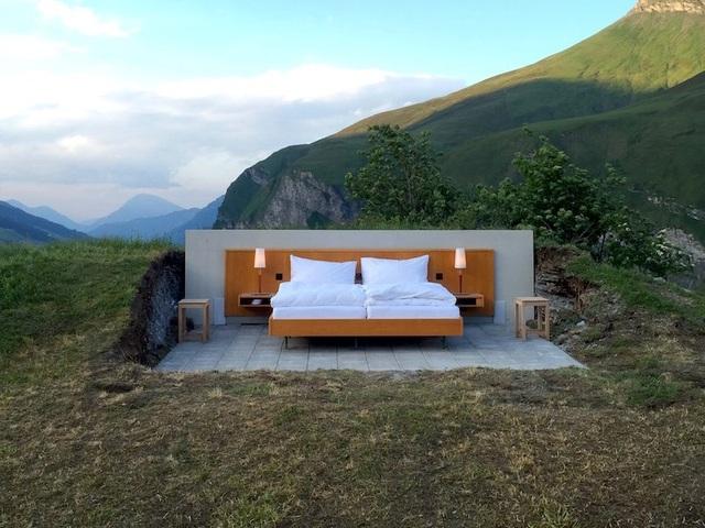 Khách sạn ngàn sao nằm trên núi Alps, Thụy Sỹ