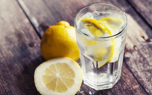 Sự thật về những lát chanh trong ly nước - 1