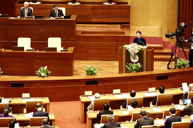 Chủ tịch Quốc hội Nguyễn Thị Kim Ngân phát biểu khai mạc kỳ họp thứ 4 Quốc hội khoá XIV. (Ảnh: Việt Hưng)