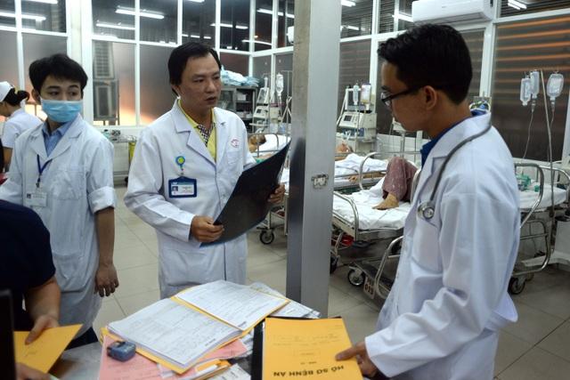 Anh Toàn đã có hơn 10 năm công tác ở bệnh viện Chợ Rẫy nên quá quen với công việc trực đêm giao thừa.