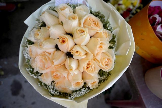 Hoa hồng nhập chiếm ưu thế