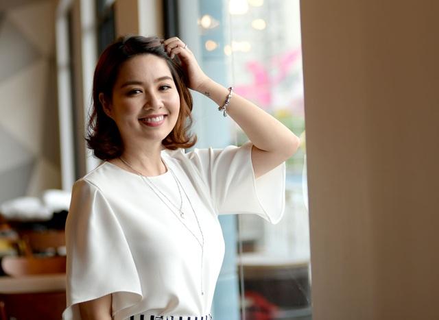 Nét diễn hài tửng nhưng rất tỉnh của Lê Khánh tạo nên sự duyên dáng và dấu ấn riêng của cô trong các vai diễn được đông đảo khán giả yêu thích.