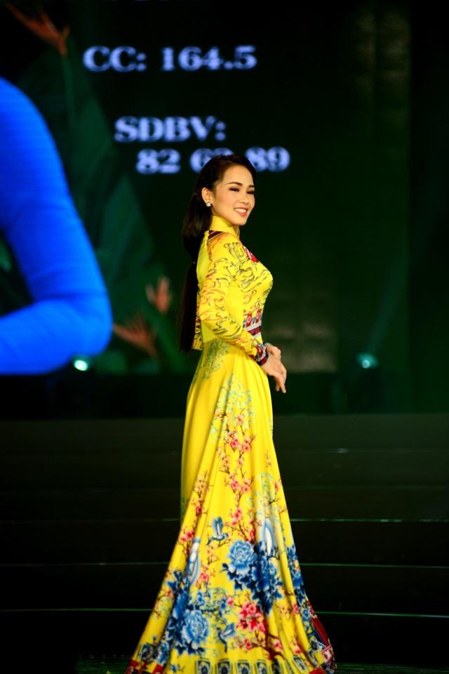 Phạm Thị Kim Khuê, sinh viên trường Cao đẳng Thương mại Đà Nẵng