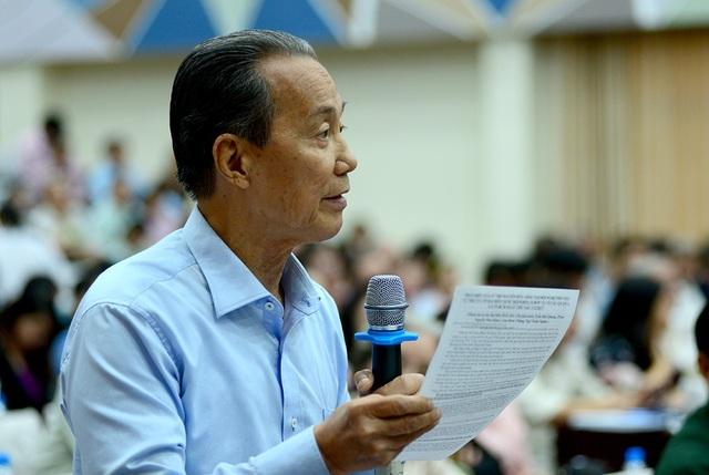 Cử tri Nguyễn Hữu Châu cho rằng một trong những vấn đề gây bức xúc nhất đối với nhân dân là bộ máy cồng kềnh của hệ thống chính trị ở nước ta.