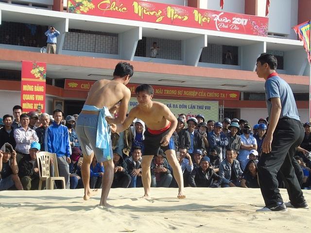 Quảng Bình: Gay cấn lễ hội vật truyền thống đầu xuân Đinh Dậu - 6