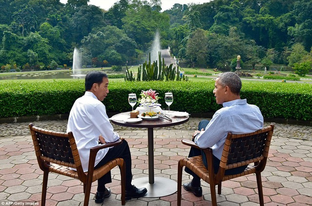 Sau khi kết thúc chuyến thăm lâu đài Bogor, ông Obama sẽ quay về thủ đô Jakarta vào ngày mai 1/7 để tham gia Đại hội cộng đồng người Indonesia (Ảnh: AFP/Getty)
