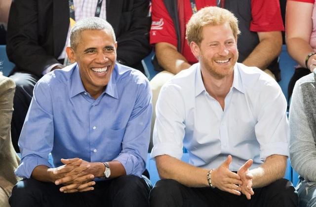 Cựu Tổng thống Obama và Hoàng tử Anh Harry trong một lần gặp tại Toronto, Canada (Ảnh: Getty)