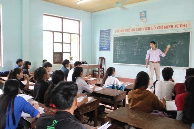 Các giáo viên ở những trường miền núi đang tích cực ôn tập, củng cố kiến thức cho học sinh