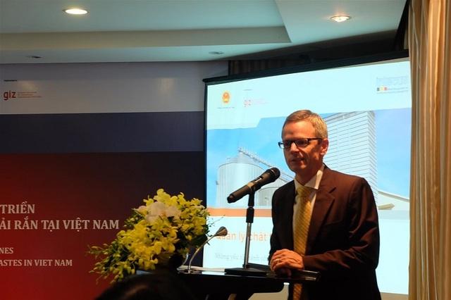 Ông Ingmar Stelter Giám đốc Chương trình Năng lượng Bộ Công thươngGIZ.