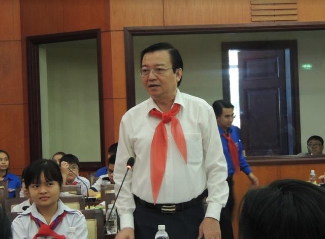 Ông Lê Hồng Sơn, Giám đốc Sở GĐ-ĐT TPHCM cho biết ngành sẽ cố gắng chấm dứt nạn ép học sinh học thêm.
