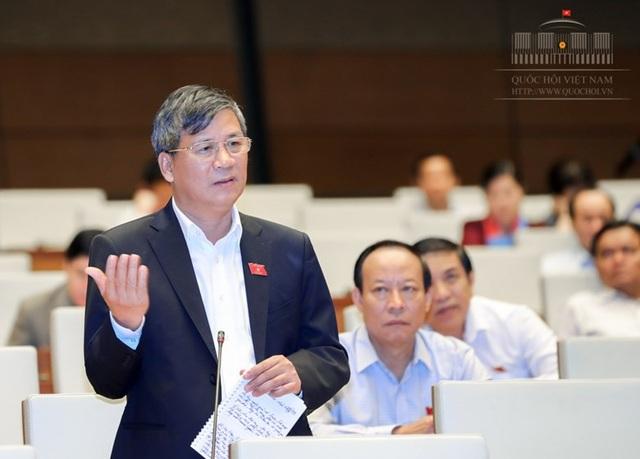 Đại biểu Quốc hội Nguyễn Anh Trí phát biểu tại hội trường chiều 14/11 (Ảnh: Quochoi.vn).