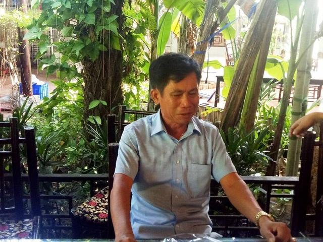 Ông Nguyễn Trọng Khải, Giám đốc Công ty TNHH Thương mại và chuyển giao công nghệ K&H đã bật khóc khi chia sẻ với PV về việc phải nhận quyết định bàn giao đất