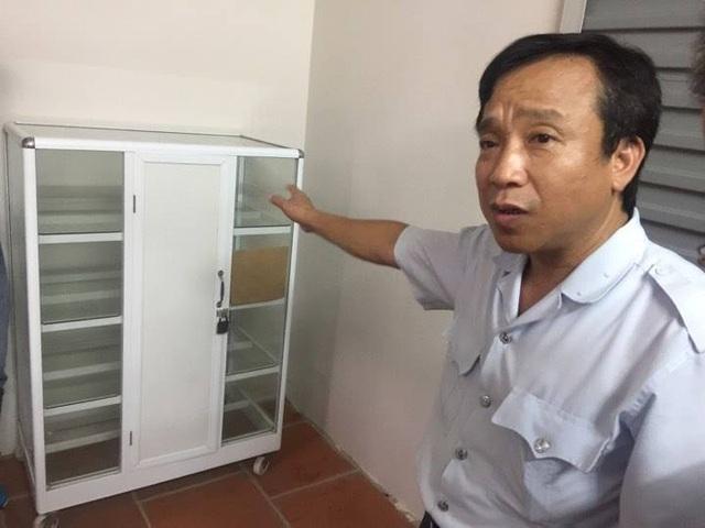 Ông Lưu Văn Quân cho biết chiếc tủ tại nhà bà Hiền từng được đựng thuốc để bán