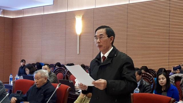 Ông Nguyễn Hoàng Quân, Phó Trưởng phòng Chính trị tư tưởng, Sở Giáo dục và Đào tạo Quảng Ninh đề xuất chính sách ưu tiên học phí cho học sinh các trường ngoài công lập để đảm bảo tính công bằng của người học. (ảnh: Đ. Tuệ)