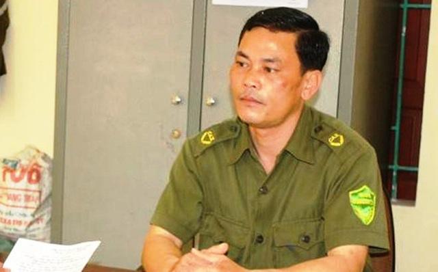 Ông Thấu - Trưởng công an xã Nghi Quang trong lúc say rượu đã dùng súng bắn đạn cao su bắn trúng người Chủ tịch UBND xã này.