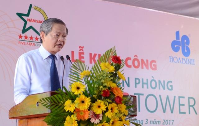 Ông Lê Văn Khoa, Phó Chủ tịch UBND TPHCM:Với việc khởi công cao ốc văn phòng Five Star Tower cao 19 tầng hôm nay, tôi mong muốn công trình tạo ra một không gian làm việc văn minh hiện đại, mang lại sinh thái xanh và bền vững