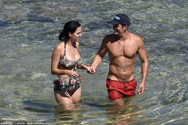 Tháng 8 năm ngoái, Katy và Orlando Bloom còn hò hẹn với nhau.