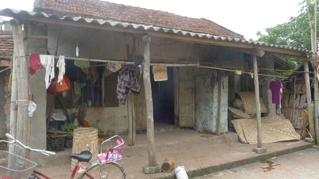 Ngôi nhà mà gia đình bác Thịnh ở nhờ của 1 người họ hàng.