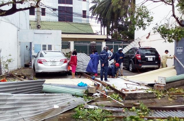Cửa hàng ở đường ven biển Phạm Văn Đồng - Nha Trang bị đổ sập hoàn toàn