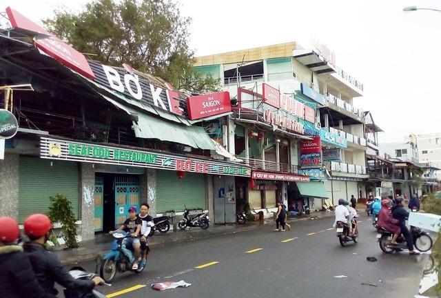 Khu nhà hàng nổi tiếng bắc sông cái Nha Trang tơi tả sau bão số 12