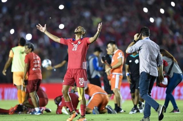 Niềm vui vô bờ bến của các cầu thủ Panama sau khi giành vé dự World Cup 2018