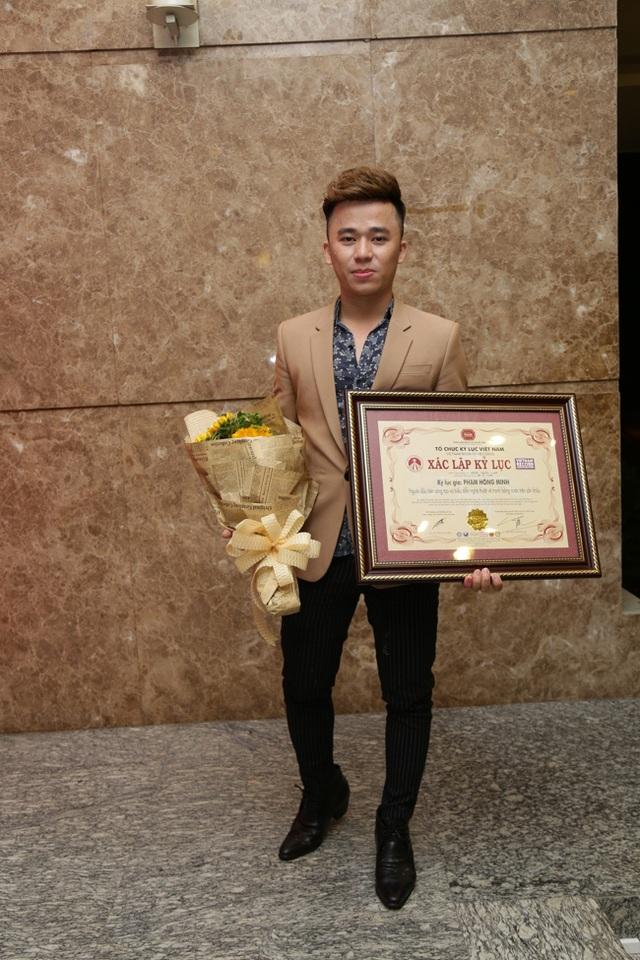 Đây cũng là chàng trai từng gây dấu ấn tại Vietnams Got Talent.