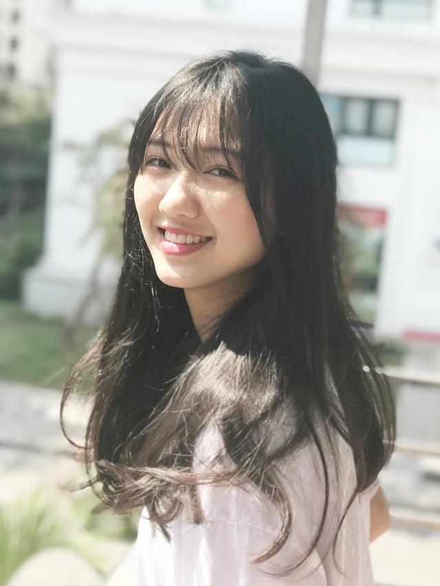 Nữ sinh Phạm Thị Thanh Mỹ - hot girl năm nhất của trường ĐH Kinh tế quốc dân