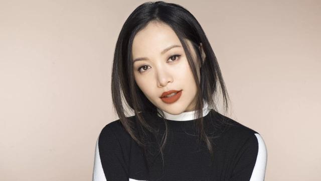 Michelle Phan là người gốc Việt được Forbes bình chọn là blogger về làm đẹp có sức ảnh hưởng thứ 2 trên Youtube.