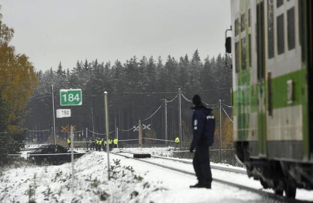 Cảnh sát phong tỏa hiện trường vụ tai nạn (Ảnh: Reuters)