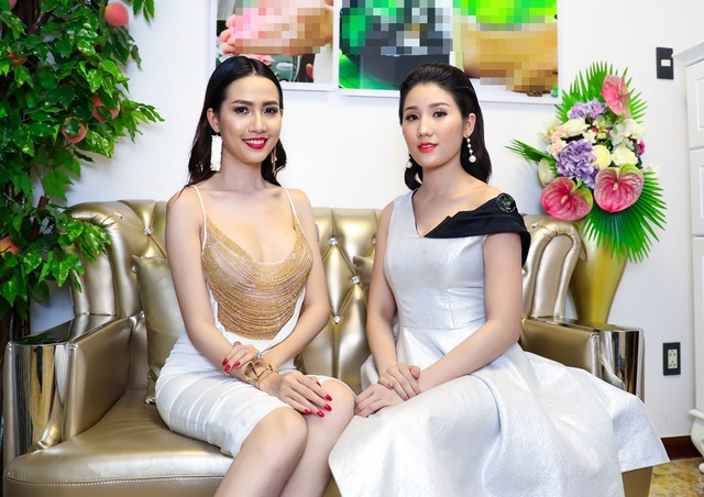Nếu như Mơ Phan gợi cảm thì Bảo Như cũng xinh đẹp trong chiếc đầm trễ vai màu bạc.