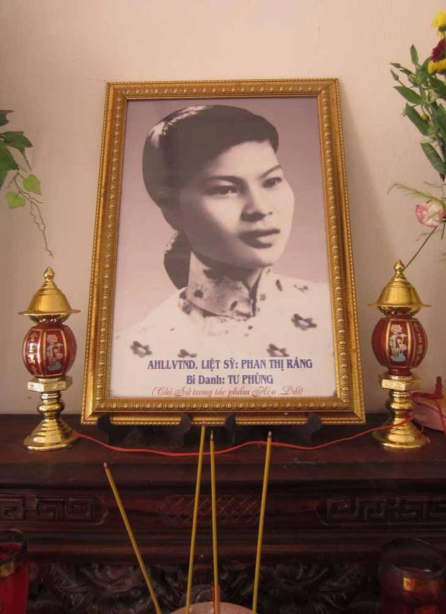 Hình ảnh bà Phan Thị Ràng - nguyên mẫu của nhân vật chị Sứ. Ảnh: TL.