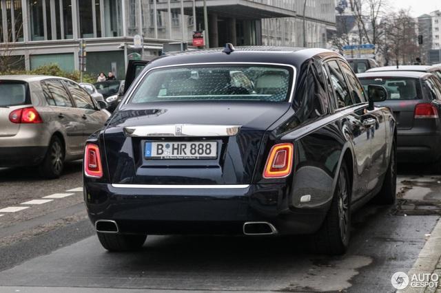 Diện kiến Rolls-Royce Phantom thế hệ mới ngoài đời thực - 6