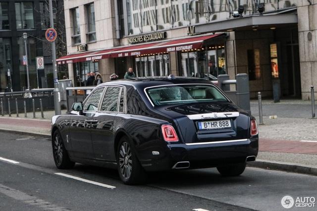 Diện kiến Rolls-Royce Phantom thế hệ mới ngoài đời thực - 5