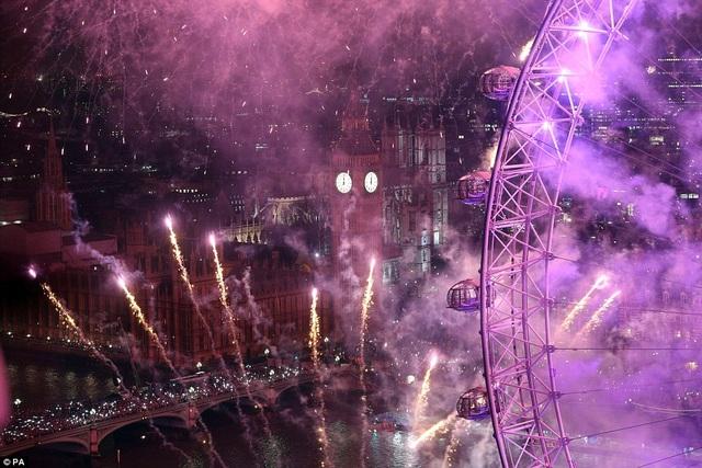 Một góc nhìn đẹp mắt trong đêm giao thừa ở London (Ảnh: PA)