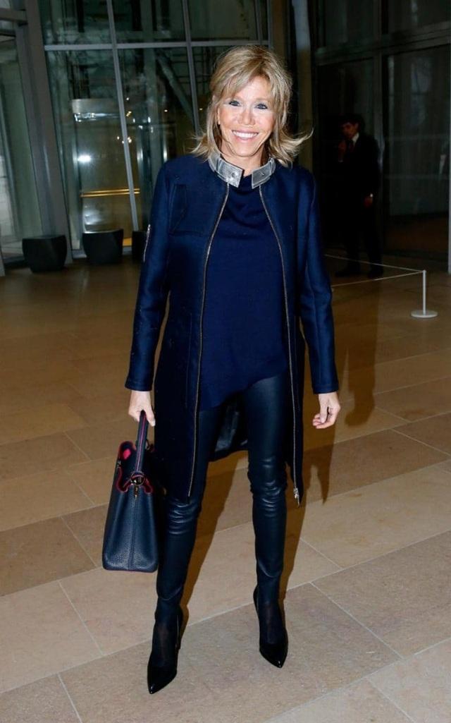 Bà Brigitte Trogneux có thân hình cao ráo giống như một cựu người mẫu. (Ảnh: Getty)