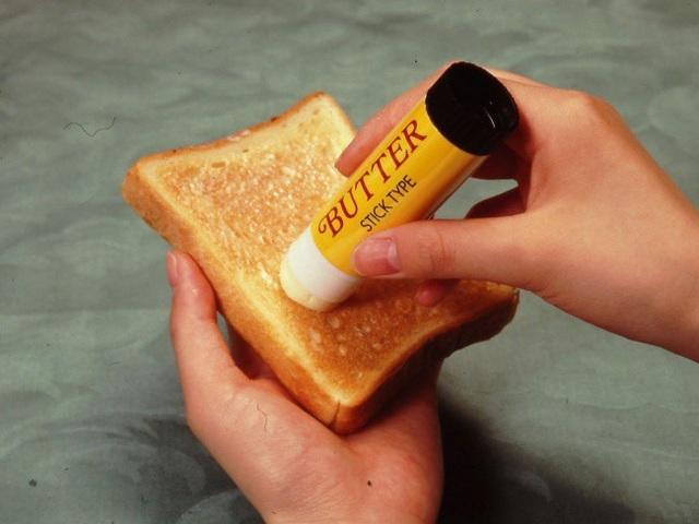 Sản phẩm bơ dạng thỏi son của người Nhật có lẽ nên phổ biến ra toàn thế giới bởi sự tiện dụng của nó.