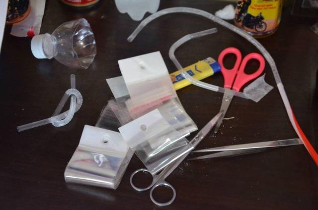 Bộ dụng cụ để sử dụng ma tuý mà công an thu giữ
