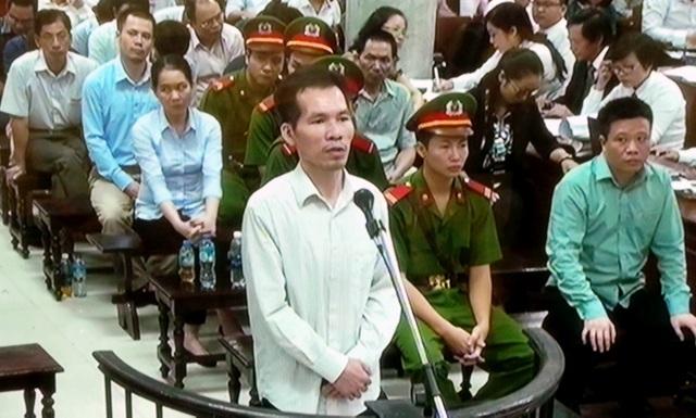 Phạm Hoàng Giang - cựu Tổng Giám đốc Cty BSC - trả lời thẩm vấn sáng 30/8.