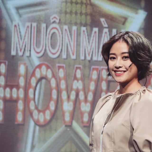 Phí Linh đảm nhiệm vai trò host Muôn màu showbiz.