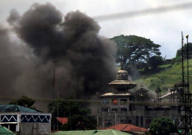 Chiến sự ở Marawi một tháng qua đã khiến ít nhất 369 người thiệt mạng. (Ảnh: Reuters)