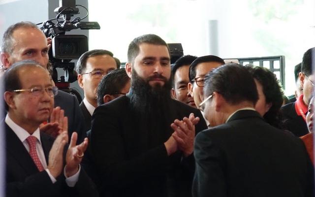 Trước đó, vào sáng ngày 7/9, đạo diễn Kong đã có mặt tại khai mạc hội chợ ITE tại TPHCM với tư cách Đại sứ du lịch Việt Nam. (Ảnh: Phú Thọ)