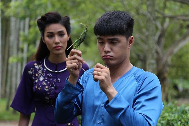 """Chia sẻ về vai diễn của mình, Lâm Vinh Hải cho biết: """"Trong phim, Lâm Vinh Hải là một chàng trai khờ khạo, ngốc nghếch, không hiểu rõ về tình yêu. Tất cả những gì anh chàng này biết là mẹ Thanh Hằng và vợ Lan Khuê. Lan Khuê là người vợ đầu tiên. Lâm Vinh Hải được cô chăm sóc, được cùng chơi đùa. Một ngày, có cô dâu mới xuất hiện, trẻ trung hơn, xinh xắn hơn, và thế là Lâm Vinh Hải bị cuốn theo cô dâu mới dẫn đến những cư xử khác lạ giữa hai người phụ nữ..."""""""