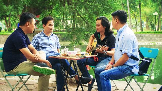 Đây là bộ phim đầu tiên về ban nhạc Rock hàng đầu Việt Nam với độ dài 75 phút được đem chiếu rạp.