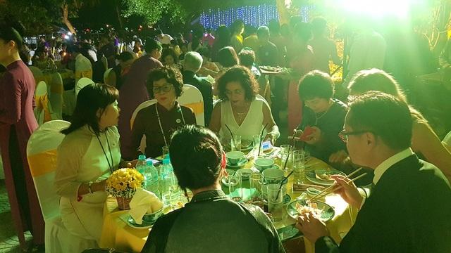Các quan khách thế giới thưởng thức dạ tiệc chay cung đình