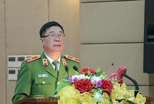 Phó Giám đốc Công an TP Hà Nội Đinh Văn Toản báo cáo sơ bộ kết quả xử lý lấn chiếm vỉa trên địa bàn Hà Nội
